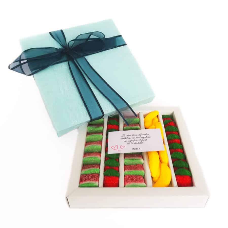 Caja-dulce-gominolas-frutas-con-mensaje-azul